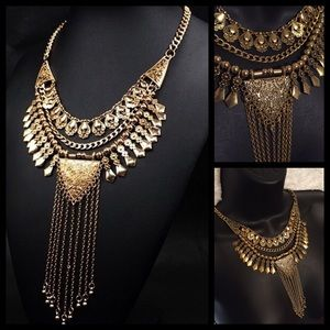 Jewelry - NEW! Golden Goddess Tassel Fashion Necklace